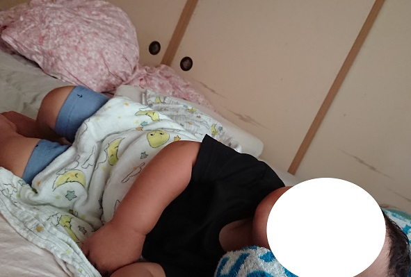 1歳息子の寝かしつけの対処法。テンション高くて長時間寝なかったのに、入眠儀式「一日まとめ」の導入であっさり解決