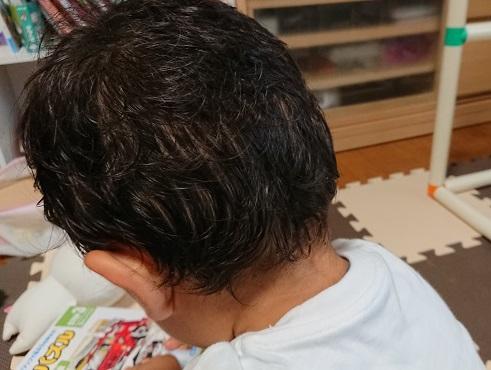 息子の頭の汗